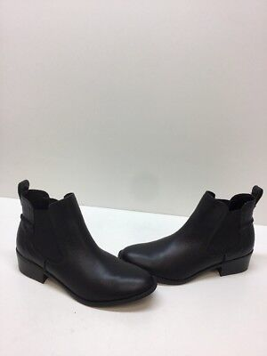1d3ababbb5a3 STEVE MADDEN  DRAPE  Black Leather Pull On Ankle Boots Women s Size ...