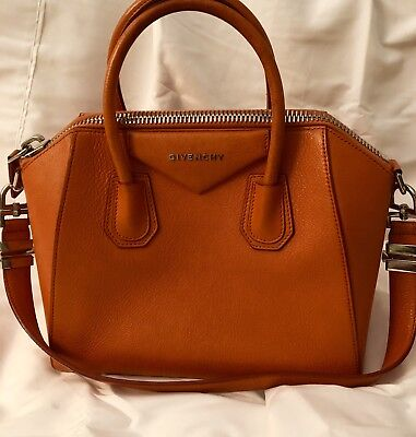b400ee15fb AUTHENTIC GIVENCHY ANTIGONA Leather Small Tote Handbag -  800.00 ...