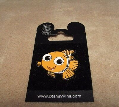 Disney NEMO Collectible Pin WDW Brand New on card Finding Nemo FREE SHIPPING