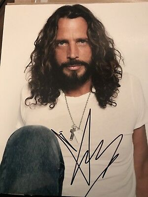 Chris Cornell Of Soundgarden signed Color 8x10 Photo! in person! Beautiful!
