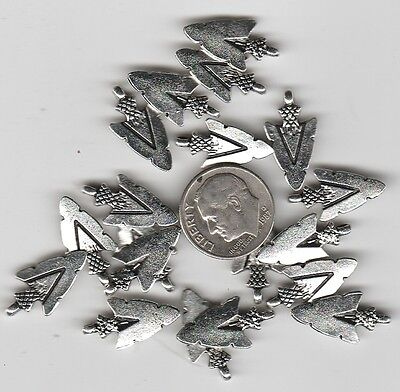 You Get 20 Metal Silver Tone Arrowhead Charms - Good Stuff From Junkmanralf -W2