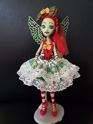 monster high ooak repaint. Christmas fairy- hollie oaks🎄🎁