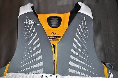 STEARNS Women's V1 Series Boating Life Vest, NWT, Size: Ex Lrg (44-48 in chest)