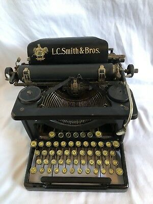 *Tested* Vtg Antique L.C. Smith & Bros Black Mechanical Manual Typewriter