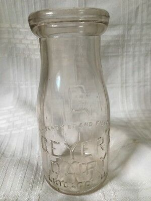 Vintage Half Pint Milk Bottle Geyer's Dairy Chicago Illinois 1940