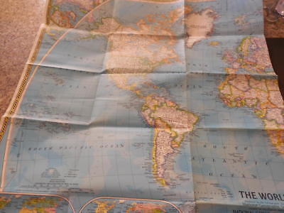 Vintage Natl Geographic Map Of The World 1981 Appr 42 X 29         ID:30020
