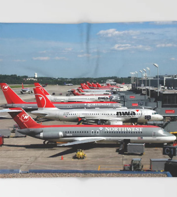 Northwest Airlines MSP Gate Lineup - 51x60 Throw Blanket