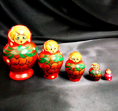 A Vintage Wooden Russian Nesting Dolls  5 Piece Set