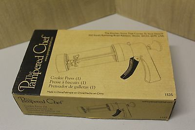 Pampered Chef Cookie Press #1525 (16 Disks) (Euc)