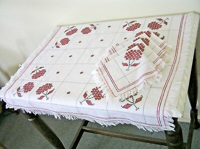 White Cotton Red & Black Cross Stitch Small Supper Cloth plus 4 Matching Napkins