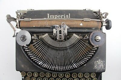 Imperial ~ A Good Companion Typewriter ***** Full working order *****
