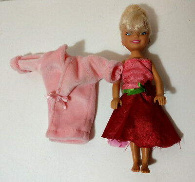 Mattel Barbie little sister Chelsea in Robe & dress with blonde hair