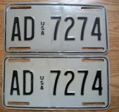 MATCHED PAIR of U.S. FORCES IN GERMANY LICENSE PLATES - 1982/90 - AD 7274