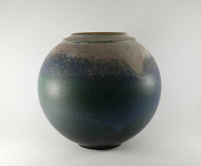Studio Keramik Kugelvase gemarkt 'MS' / studio pottery ball-vase, marked ca15cm