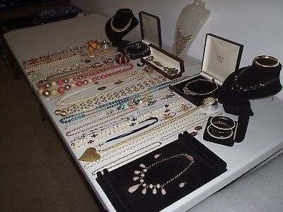 Large Job Lot Of Vintage & Costume Jewellery Necklaces Bracelets Brooches (E)