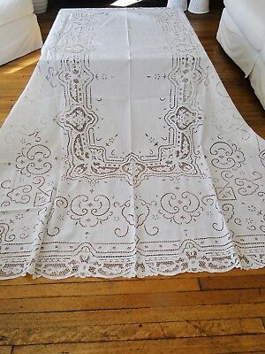 Antique Linens - Linen Tablecloth With Embroidery And Needle Lace