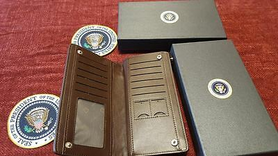 Ladies Wallet White House Presidential Seal Synthetic Leather Brown