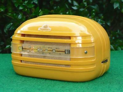 Super 1940's Vintage Art Deco ASTOR 'Baby' Yellow / Pumpkin Bakelite Valve Radio