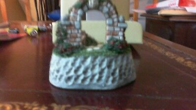 David Winter Cottages Signed Winter Arch 1994 Special Anniversary Piece-Box, CoA