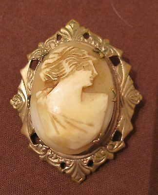 antique ornate hanmdade Victorian carved shell gold cameo portrait brooch pin /
