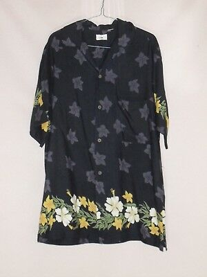 1980's Vintage Short Sleeved Shirt with Hawaiian Flower Border.
