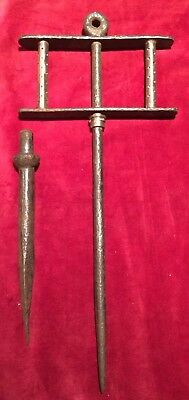 Antique Quality Blacksmith Made Cast Iron & Brass String Line With Spike
