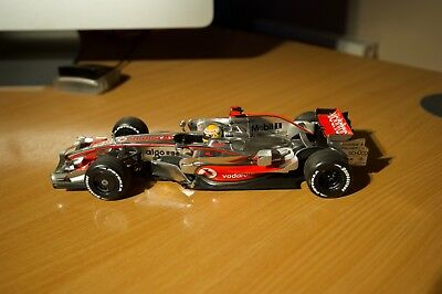 Vodafone McLaren Mercedes MP4-23 1:8 Lewis Hamilton - World Champion 2008