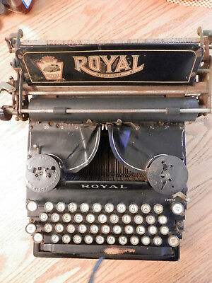 Royal Standard  Antique Typewriter, No.5