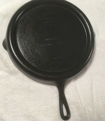 Vintage Wagner Ware Cast Iron Greaseless Frying Skillet No. 1102A