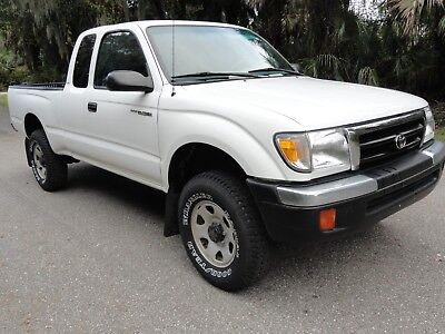 2000 Toyota Tacoma SR5 2000 Toyota Tacoma SR5 85,468 Actual Miles  2WD Extended Cab 2.7 Auto Very Nice!