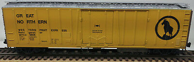 "Micro Trains 51'-3-1/4"" Mechanical Reefer with Vertical Ribs Great Northern"