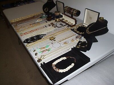 Large Job Lot Of Vintage & Costume Jewellery Necklaces Bracelets Earrings (C)
