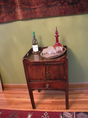 Antique Stand / Commode Unique Bar End Table Drink Stand for Small Areas Minibar
