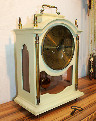 Antique particular Mantel Clock Shelf Bracket Clock - antiqued white-