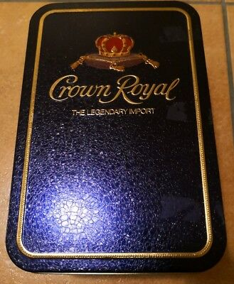 WHISKY. Crown Royal, 10 years old. Acquistato nel 1980 -WITH ORIGINAL METAL BOX