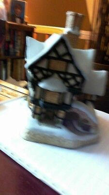 David Winter Cottages Mister Fezziwig's Emporium Christmas Village 1990 COA