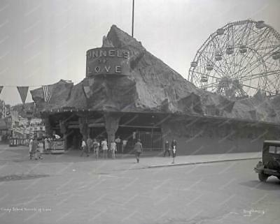 Coney Island NY Love Tunnel 1920s Classic 8 by 10 Reprint Photograph