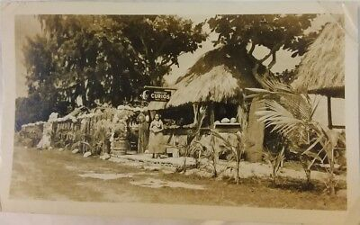 Vintage Old 1930s Photo of Curios Store Roadside HAWAIIAN Woman Grass Skirt Leis