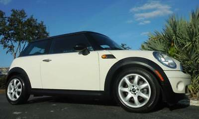 2010 Cooper Base 2dr Hatchback 2010 MINI Cooper Hardtop
