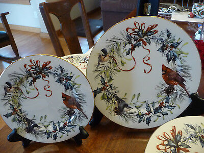 !Lennox Winter Greetings salad plate fine china Gold trim excellent condition