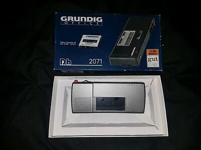 Vintage GRUNDIG DH 2071 voice recorder/dictaphone with box of 3 extra cassettes