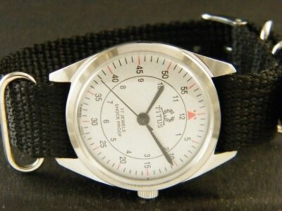 VINTAGE HAND-WINDING SWISS MADE WRIST WATCH 147-a113279-7
