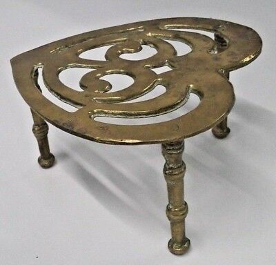 """Vintage Solid Brass Heart Shape Kettle/Plant Stand 6.5"""" wide 3.5"""" tall"""
