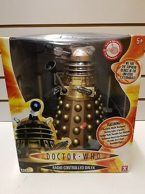 Bbc Doctor Who Remote Controlled Dalek With Authentic Movement, Lights And Speec