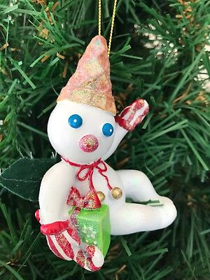 Mr Bingle Snowman 2018 Resin Ornament Holding Gift New Hand painted New Orleans