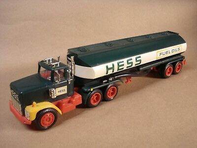 Nice 1978 Hess Gasoline Tanker With Box And Inserts