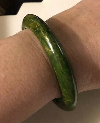 Vintage  Green Yellow Marbled Thick Rounded Bakelite Bangle
