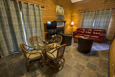 2 Nights: Day Dreamer ( 2-Bedroom Cabin ) Cabin by RedAwning ~ RA186464