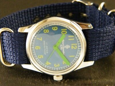 VINTAGE HAND-WINDING SWISS MADE WRIST WATCH 148-a113527-1
