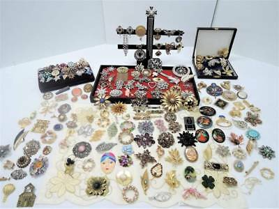 HUGE LOT VINTAGE BROOCHES*187 pc*MANY DESIGNERS*9 CROWN TRIFARI+++